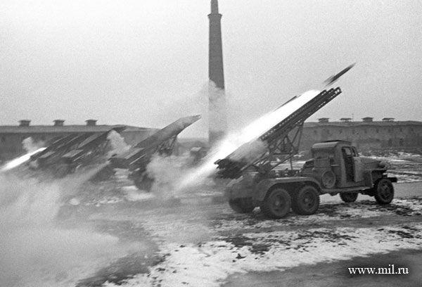 Pháo phản lực Katyusha bắt đầu được sản xuất đại trà từ năm 1940