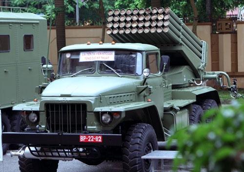 Pháo phản lực BM-21M-1 do Tổng cục Kỹ thuật thuộc Bộ Quốc phòng Việt Nam cải tiến