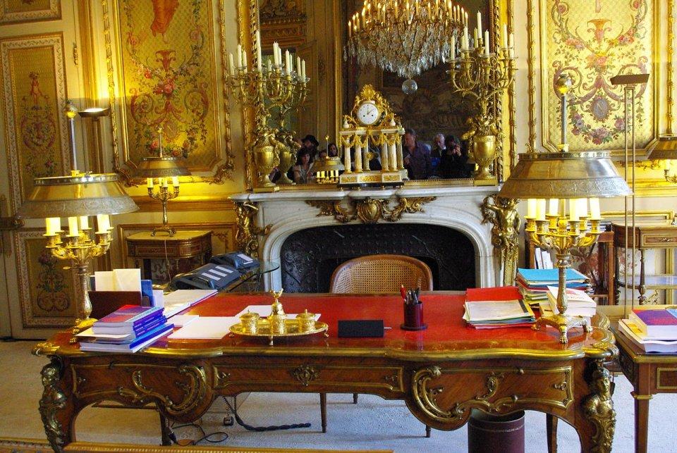 Văn phòng của Tổng thống được gọi là Salon Doré