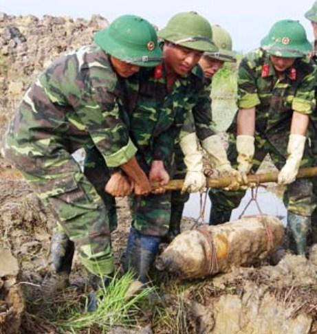 Trước đó người dân Hải Dương cũng phát hiện một số lượng lớn bom, mìn, đầu đạn.