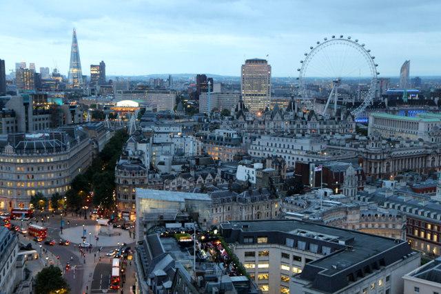Một quả bom từ Thế chiến II đã được phát hiện bên dười một khu dân cư đông đúc tại London