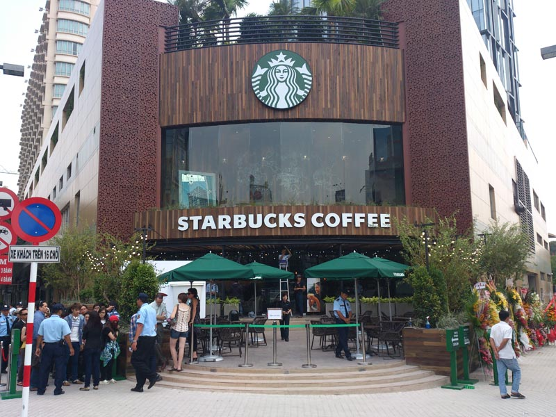 Mặc dù đã ngay lập tức xin lỗi và hứa làm rõ vụ việc, Starbucks vẫn có thể bị kiện vì sự cố thạch sùng lẫn trong đồ uống này