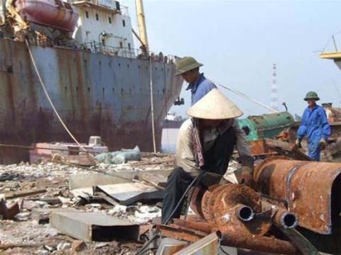 phá dỡ tàu cũ gây hậu quả nghiêm trọng