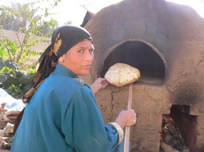 Lò nướng bánh mỳ là phát minh thú vị của người Ai Cập vẫn được người dân một sô nơi sủa dụng