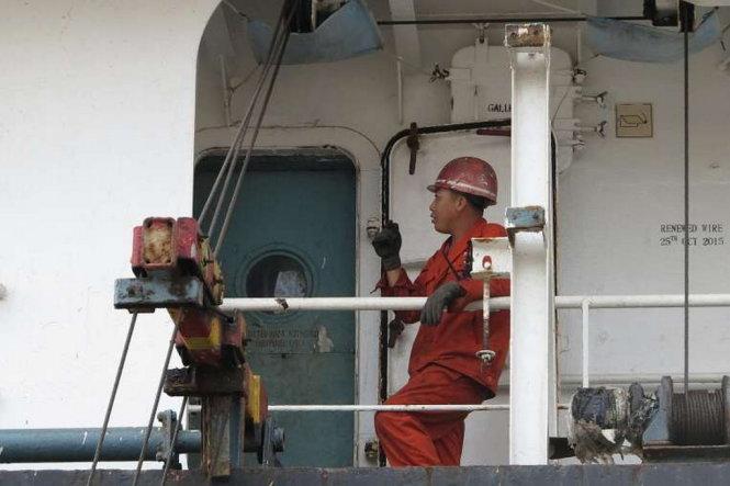Một thủy thủ Triều Tiên trên tàu Jin Teng