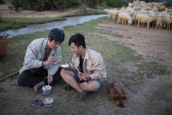 Bộ phim Tết Qúy tử bất đắc dĩ vừa tung MV nhạc phim do ca sĩ Hoài Lâm thể hiện