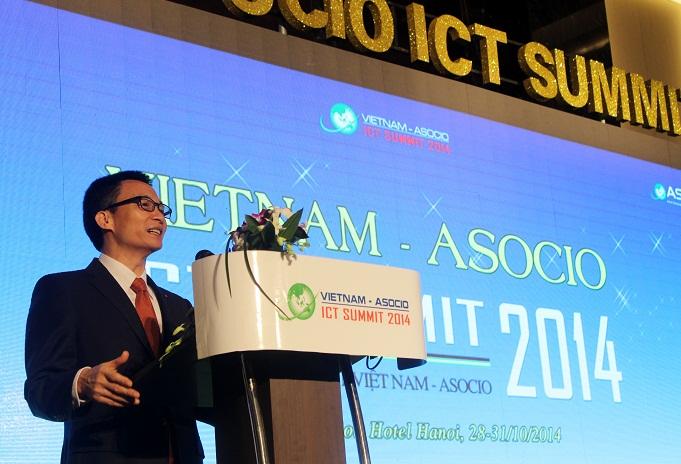 Phó thủ tướng Chính phủ Vũ Đức Đam tại Diễn đàn cấp cao công nghệ thông tin (CNTT) Việt Nam - ASOCIO 2014