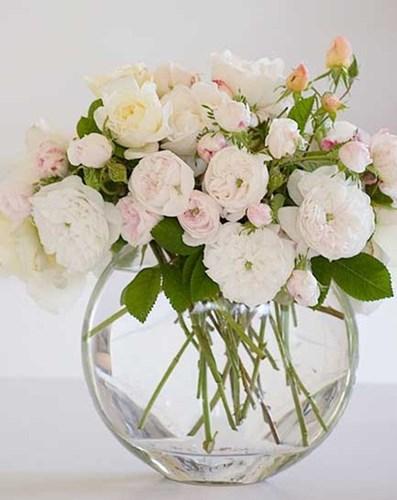 Trong phong thủy nhà ở, trang trí hoa tươi đúng cách sẽ giúp chiêu tài, rước lộc