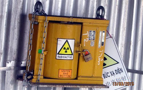Gắn định vị trên thiết bị phóng xạ để kiểm soát an toàn
