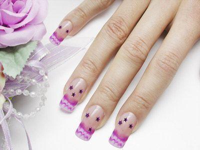 Phụ nữ nên cẩn trọng khi đắp gel cho móng tay