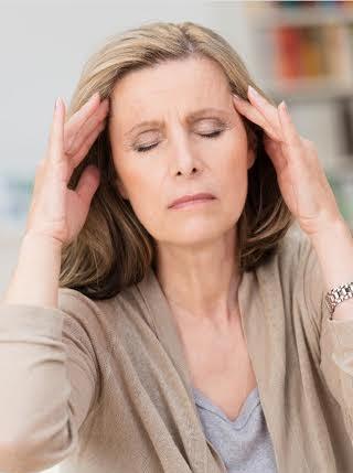Phụ nữ thời kỳ mãn kinh phải đối mặt với nhiều vấn đề sức khỏe
