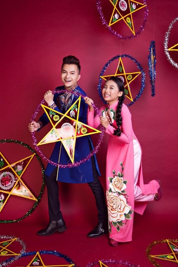 Thực hiện bộ ảnh Trung thu cho Phương Mỹ Chi và Nam Cường là nhiếp ảnh gia Paloma, chuyên viên trang điểm  Raymond Nguyễn trong khi Trần Được phụ trách trang phục