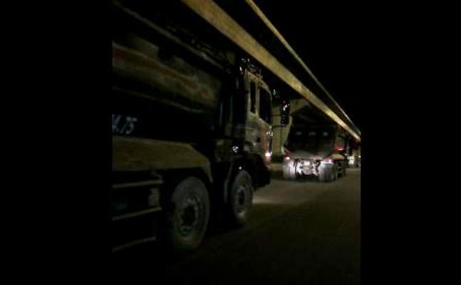 xe tải chạy giờ cao điểm