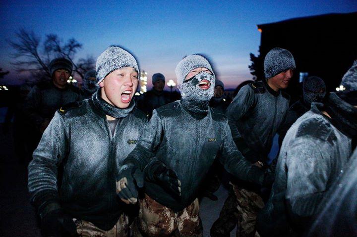 Một viên chỉ huy cho biết, tập luyện trong môi trường khắc nghiệt sẽ giúp rèn rũa bản lĩnh, tính cách của mỗi người lính