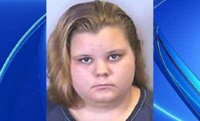 Ashley Miller, 18 tuổi quan hệ tình dục với chó Pitbull được nuôi tại nhà bà trong suốt 1 năm