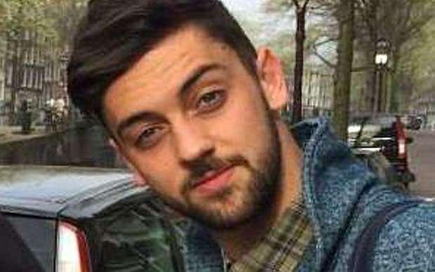 Samuel Price bị kết án vì cắn vào mông bạn gái khi quan hệ tình dục. Ảnh Pulse