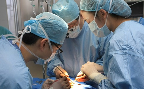 3 trẻ tử vong, thuốc mê, phẫu thuật Nụ cười, trẻ em nghèo, sứt môi, hở hàm ếch