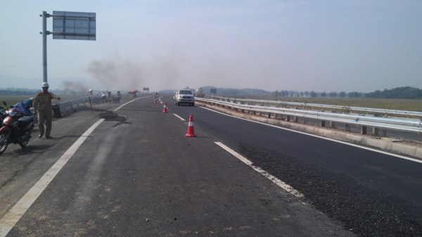 cao tốc Hà Nội - Lào Cai bị nứt, đốc tiến độ, công trình giao thông