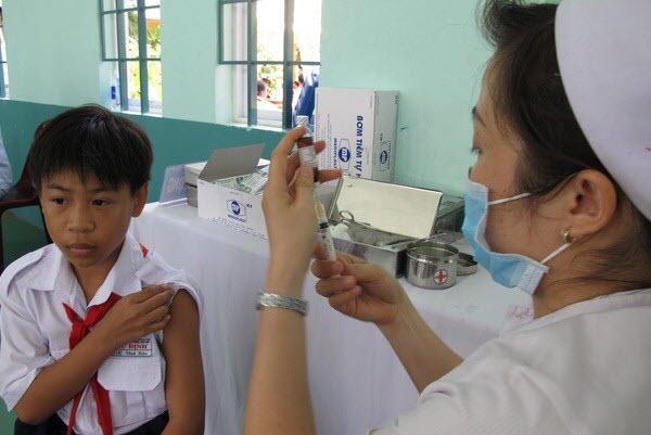 Tiêm vắc xin sởi - rubella đang thành công