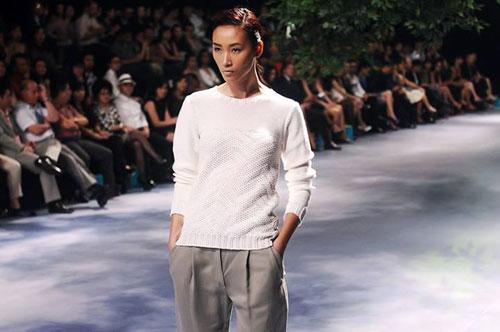Từ một cô gái quê chân chất, Trang Khiếu đã hoàn toàn lột xác và trở thành quán quân Vietnam's Next Top Model mùa đầu tiên