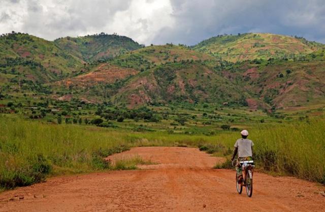 """Burundi – quốc gia ở Đông Phi là nơi """"kém hạnh phúc nhất"""" thế giới"""