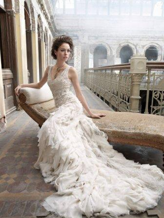 Chiếc váy cưới hoàn hảo tôn vinh vẻ đẹp hình thể của cô dây