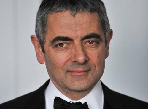 Với chuỗi phim hài về nhân vật Mr Bean, Rowan Atkinson được bầu chọn là 1 trong 50 diễn viên hài xuất sắc nhất Anh Quốc.  Ông cũng là một trong những nghệ sĩ giàu có nhất sứ xở sương mù với tổng tài sản ước tính lên tới 70 triệu bảng Anh. Ông sở hữu rất nhiều bất động sản đáng giá và dàn xe hơi mà bất cứ ai cũng phải ao ước.