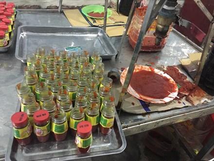 Sa tế giả 'lén lút' tìm đường đầu độc người tiêu dùng