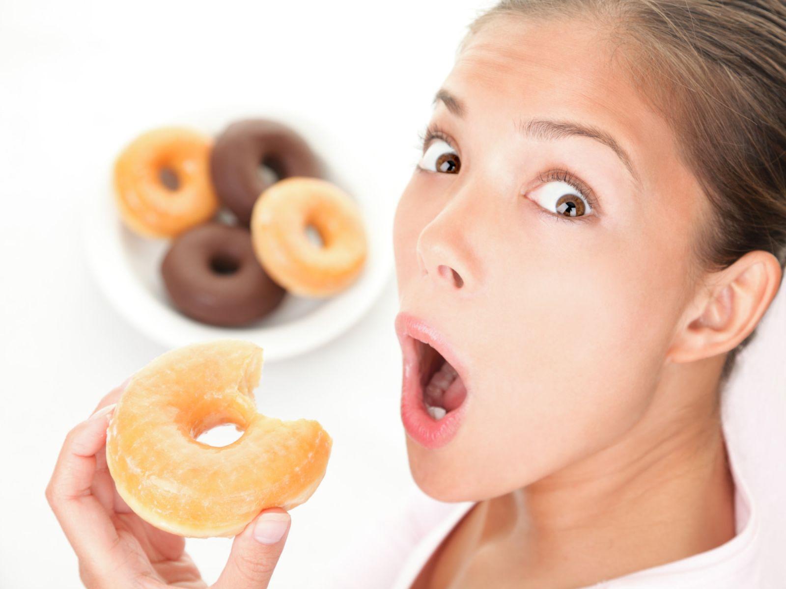 Ăn ngay khi ngủ dậy là một trong những sai lầm khi ăn sáng nguy hiểm