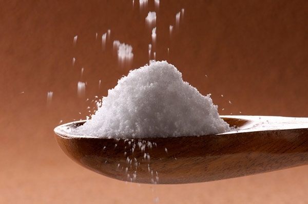 Sai lầm trong ăn uống là sử dụng quá nhiều muối gây ra bệnh tim mạch