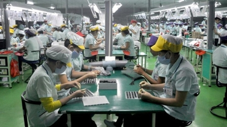 Samsung tiếp tục đặt doanh nghiệp Việt Nam sản xuất 144 linh kiện cho smartphone