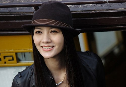 Sao Đài Loan Ngô Á Hinh phủ nhận tin đồn tham gia vào đường dây người mẫu bán thân