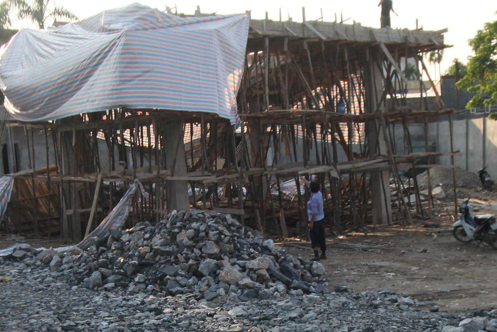 Hiện trường vụ sập giàn giáo cây xăng trên đường Nguyễn Bỉnh Khiêm (Hải Phòng)