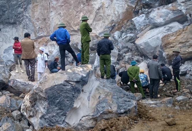 Hiện trường vụ tai nạn sập mỏ đá ở Thanh Hóa khiến 8 công nhân thương vong