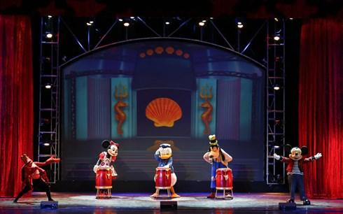 Mỗi tiết mục của các nhân vật hoạt hình Disney quen thuộc đều khiến khán giả không ngừng lắc lư và hòa mình nhảy theo từng điệu nhạc.