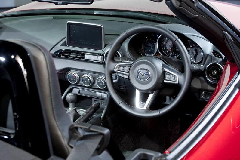 Siêu xe ô tô thế giới mới với ngoại thất không khiến người yêu xe phải thất vọng