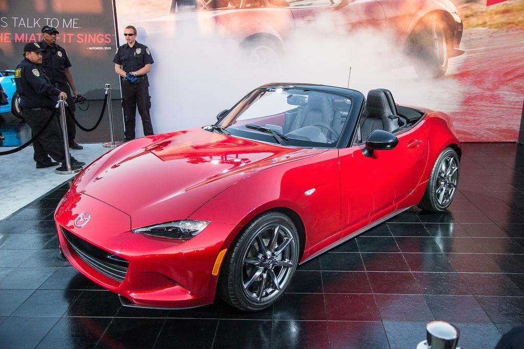 Chế độ 'giảm cân' SkyActiv giúp siêu xe ô tô thế giới của Mazda giảm tới gần 100kg