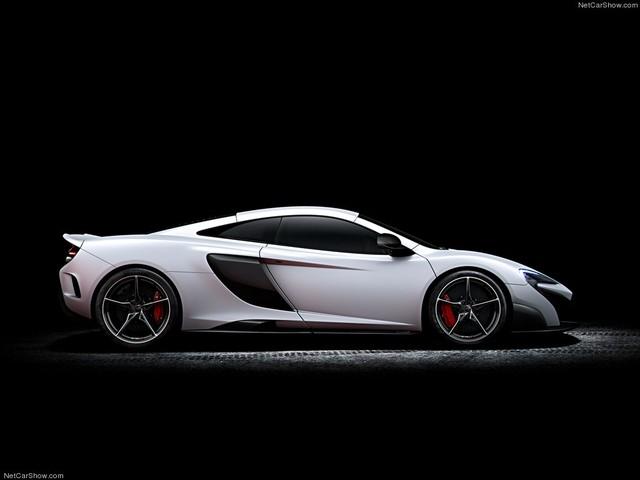 Ngoại hình mạnh mẽ với các đường cong kiểu cách là nét nổi bật trên chiếc siêu xe McLaren mới này
