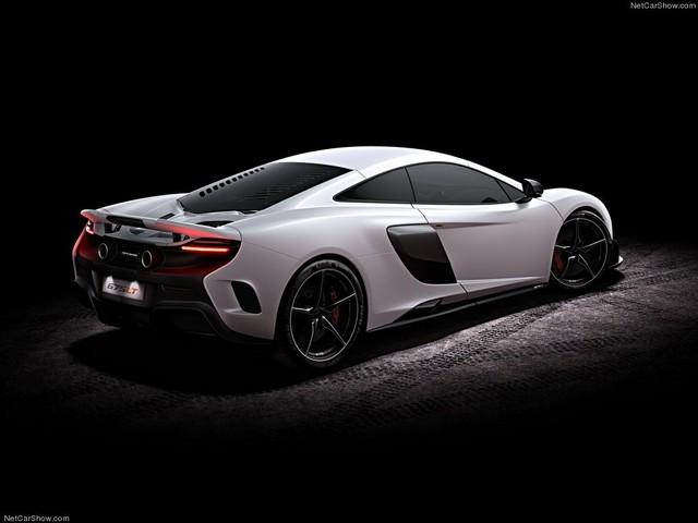 675 LT được mệnh danh là chiếc siêu xe nhanh và nhẹ nhất của McLaren