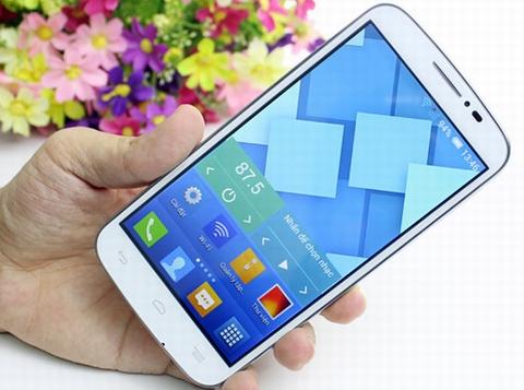 Điểm nhấn lớn nhất của smartphone giá rẻ Alcatel one Touch Pop C7 chính là màn hình