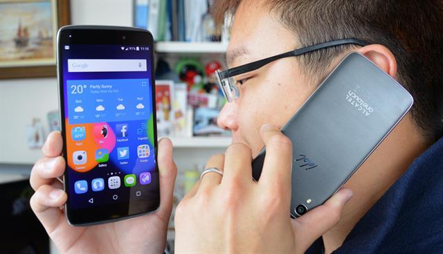 Smartphone giá rẻ thiết kế đảo ngược 2 chiều vô cùng ấn tượng