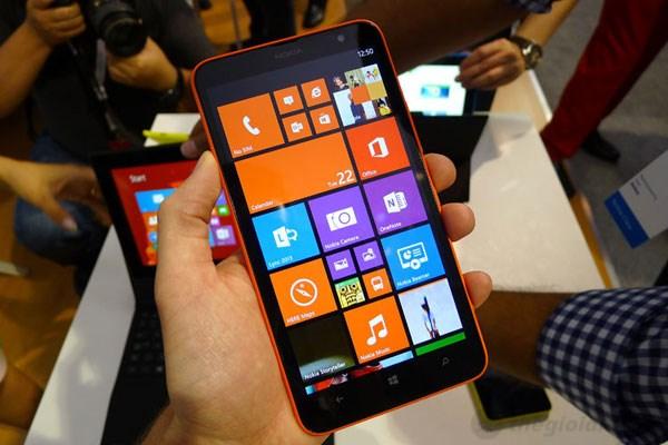 Smartphone giá rẻ Nokia Lumia cấu hình tốt, thời trang đầy màu sắc