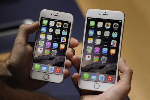 Iphone 6 và iPhone 6 Plus cũng đang được bán khá chạy