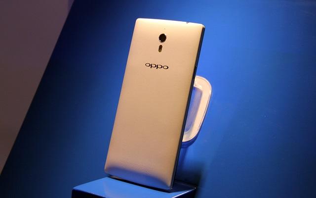 OPPO Find 7a- một trong những smartphone hot nhất hiện nay thu hút nhiều người dùng Việt