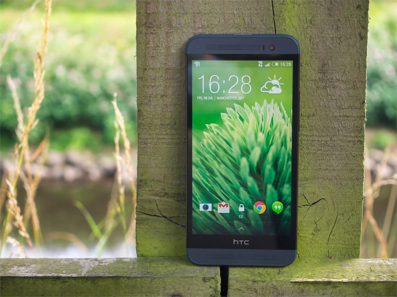 HTC One E8 Dual mang những trang bị của một sản phẩm đầu bảng
