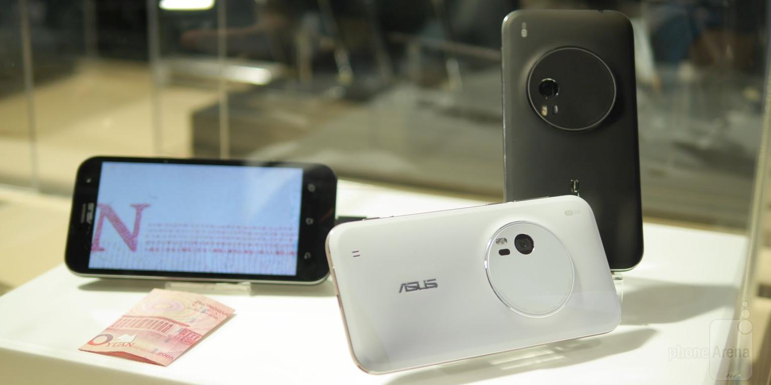 Smartphone hot nhất Zenfone Zoom có 2 màu đen và trắng