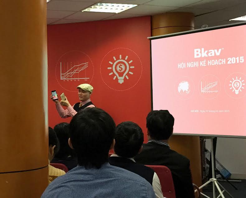 Smartphone của Bkav nhận đươc khá nhiều ý kiến trái chiều sau lời tuyên bố của CEO Bkav Nguyễn Tử Quảng
