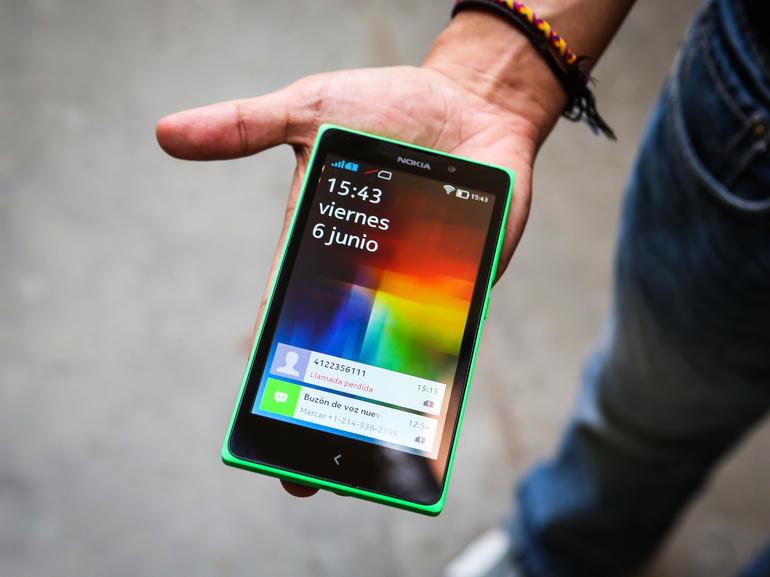 Nokia XL được trang bị 2 SIM 2 sóng