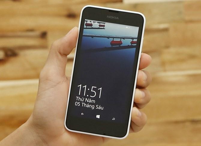 Nokia Lumia 630 là phiên bản kế nhiệm của Lumia 620 với cấu hình nâng cấp, màn hình lớn hơn và có thêm tùy chọn 2 SIM