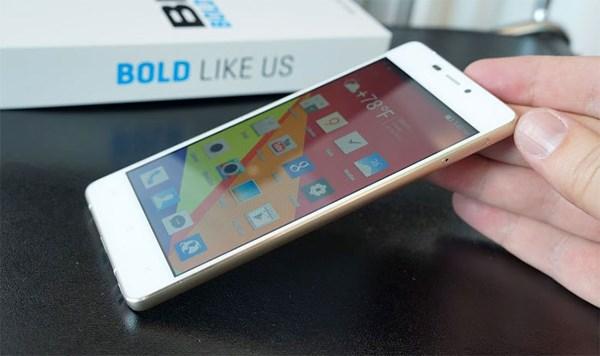 BLU Vivo Air xứng đáng là một trong những chiếc smartphone giá rẻ đáng mua nhất ở thời điểm hiện tại